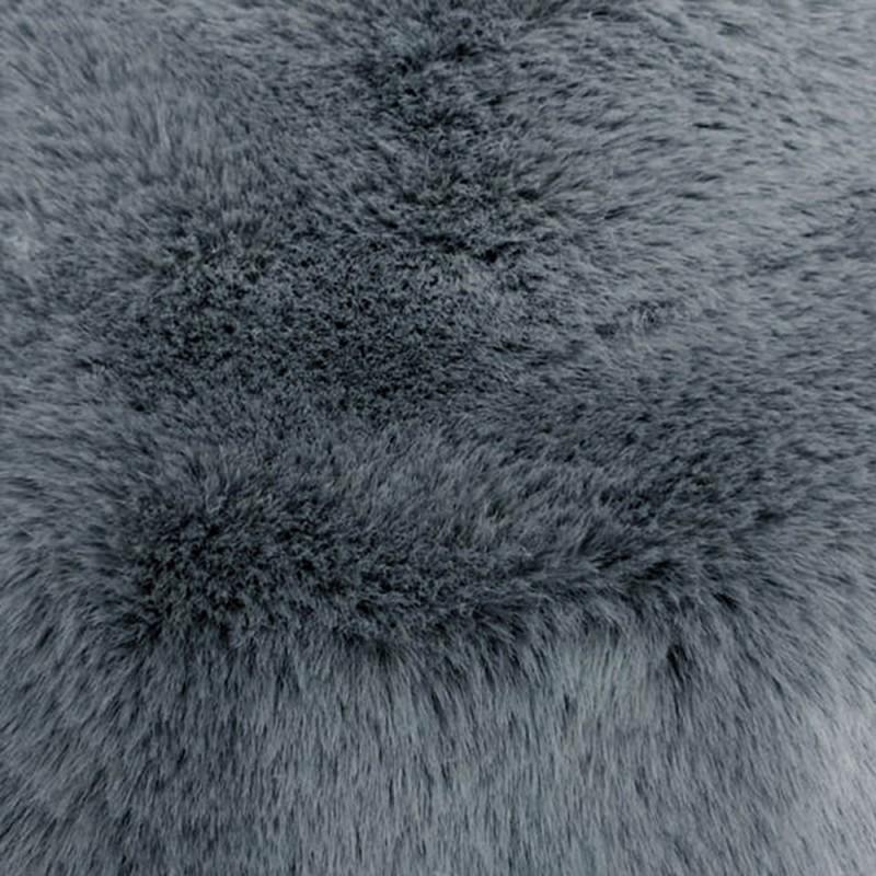 Fausse fourrure effet doudou gris foncé très tendance pour la confection de manteaux.